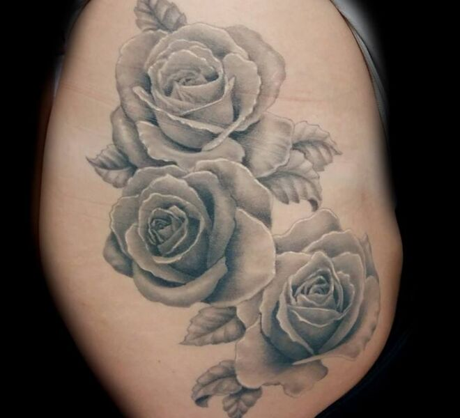 beautiful womens tattoo roses realistisch